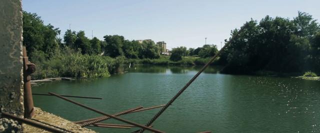 Il lago che combatte